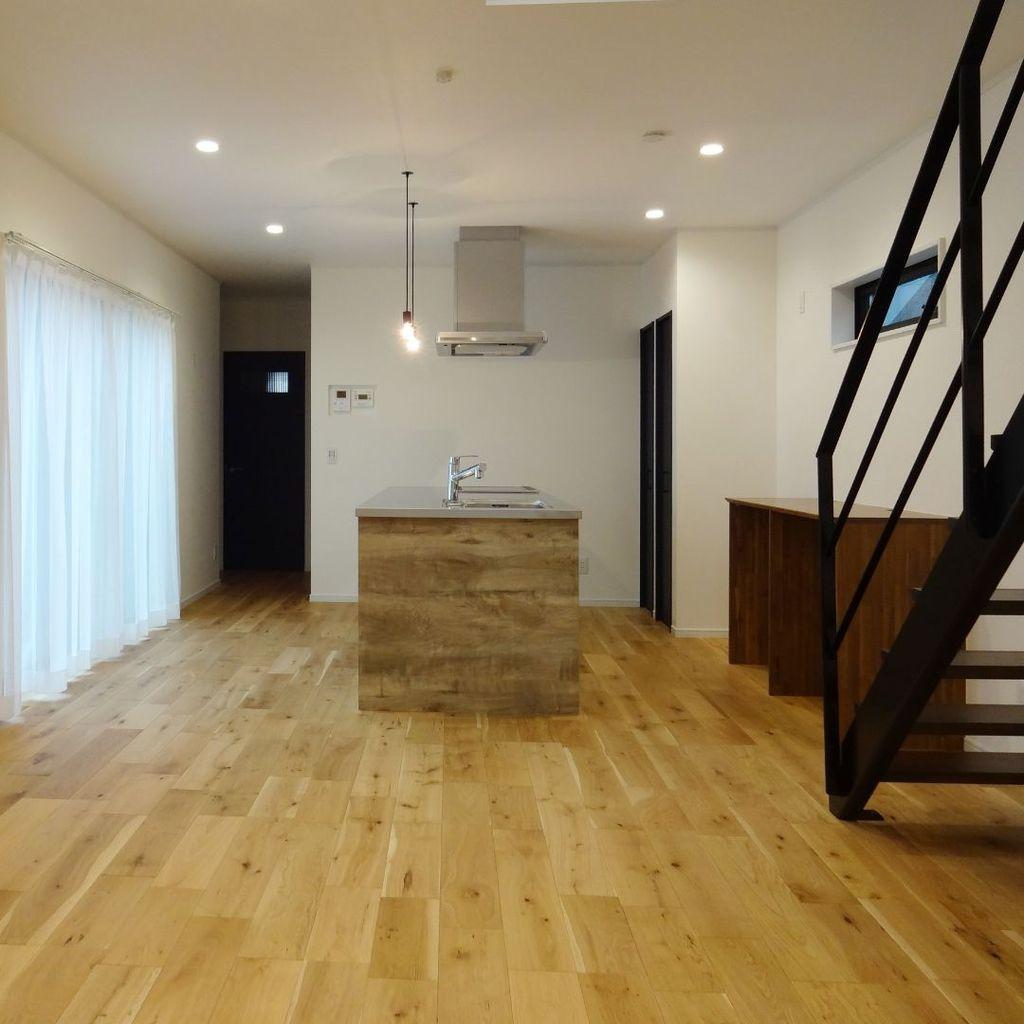 アイランドキッチン オープン階段